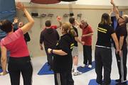 Bild der Sportgruppe bei einer Übung